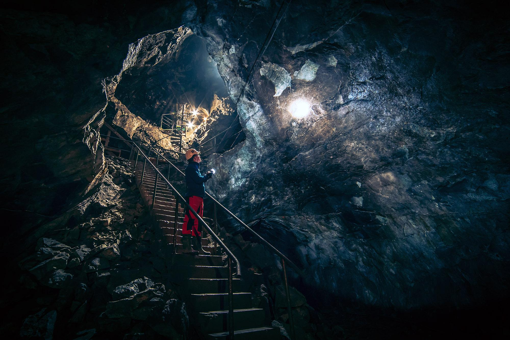 The hour-long Stigaren tour provides visitors with the 500-year history of Sala Silver Mine. – © Lars Olsson