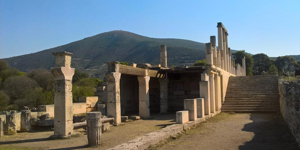 Patients, having read the miracle inscriptions of those healed before them, spent the night in the Abaton-Enkoimeterion hoping for a vision-filled dream and a cure. – © Hellenic Ministry of Culture and Sports / Ephorate of Antiquities of Argolida