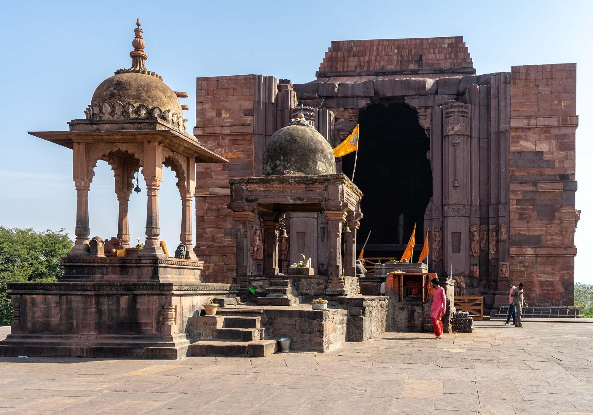 The Bhojeshwar Temple at Bhojpur was built in the 12th century and is one of the finest Hindu temples in the region. – © Michael Turtle
