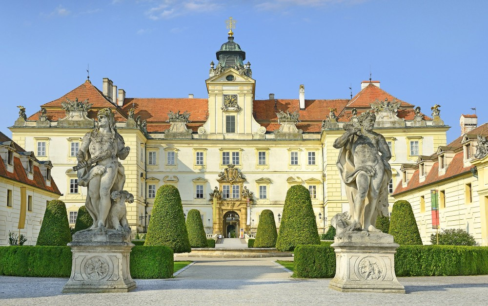 Valtice Castle is one of the most impressive baroque residences of Central Europe. Originally a Gothic castle founded in the 12th century, from 1530 Valtice became the place of residence for the princely family of Liechtenstein. A number of important architects of the 17th and 18th centuries contributed to this design. – © Pecold / Shutterstock