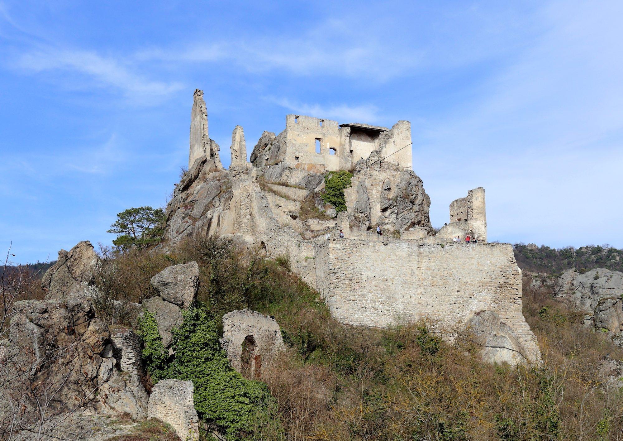 The ruins of Dürnstein Castle where Duke Leopold held King Richard prisoner in 1193 – © Bwag / Wikimedia