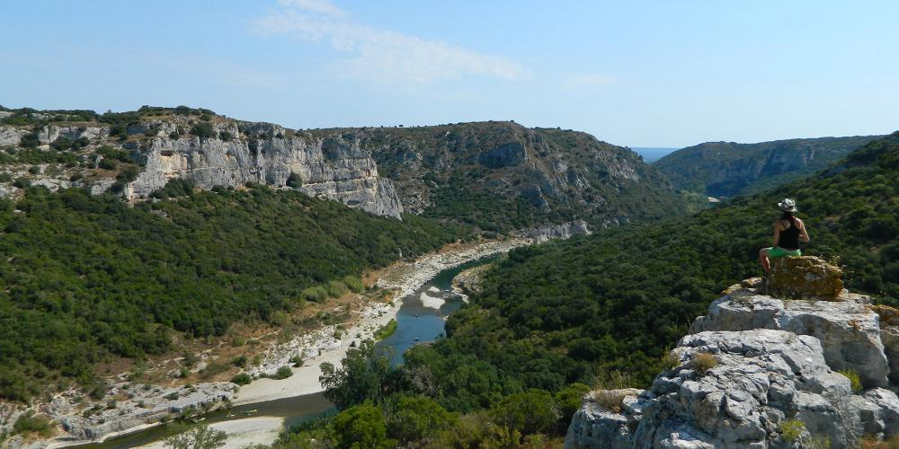 The Gorges du Gardon a biosphere reserve with spectacular landscapes. – © SMGG