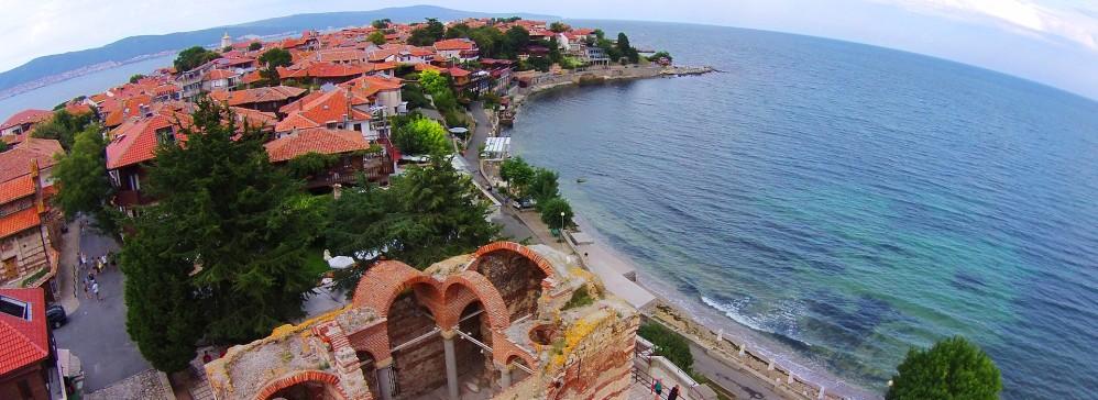 La vieille ville de Nessebar possède une impressionnante collection de bâtiments historiques, y compris plusieurs églises qui sont considérées comme des trésors culturels de la Bulgarie. – © Nessebar Municipality