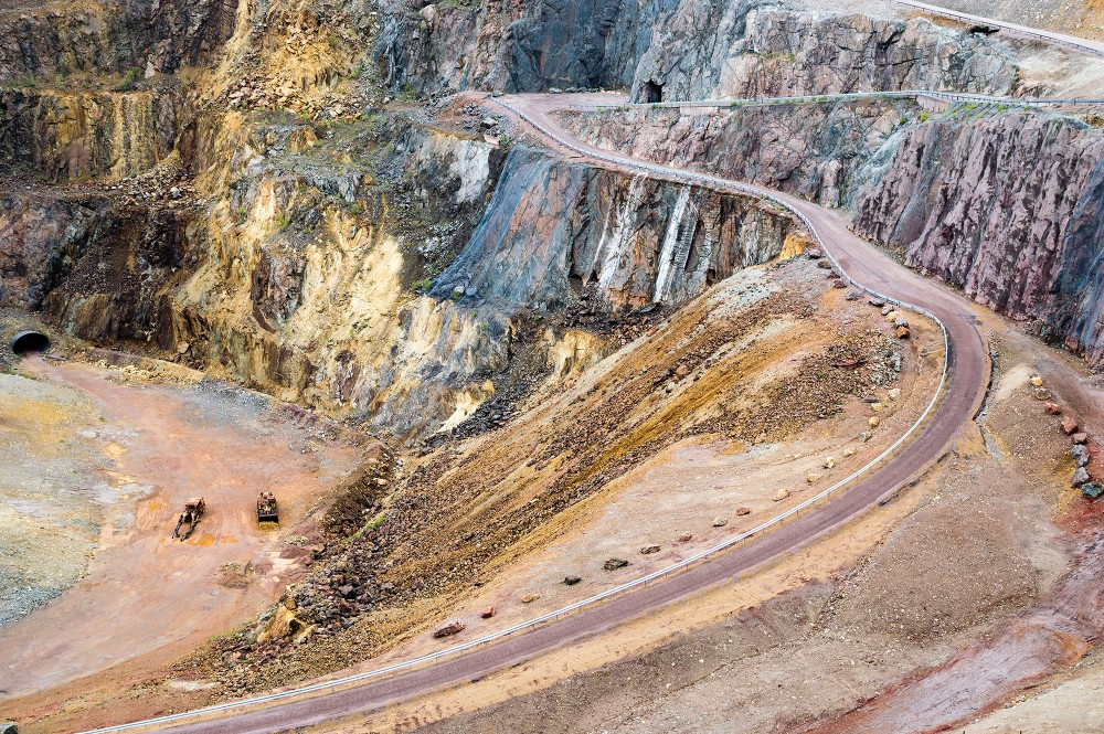 The road into the 95-metre-deep pit is used to get into the modern mine to check the pumps. The Great Pit is not accessible for visitors. – © Imfoto / Shutterstock