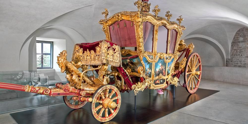 The three-tonne ceremonial carriage that Cardinal Ferdinand Julius Troyer purchased in 1746 in Vienna is one of many unique exhibits at the Archdiocesan Museum. – © Archdiocesan Museum