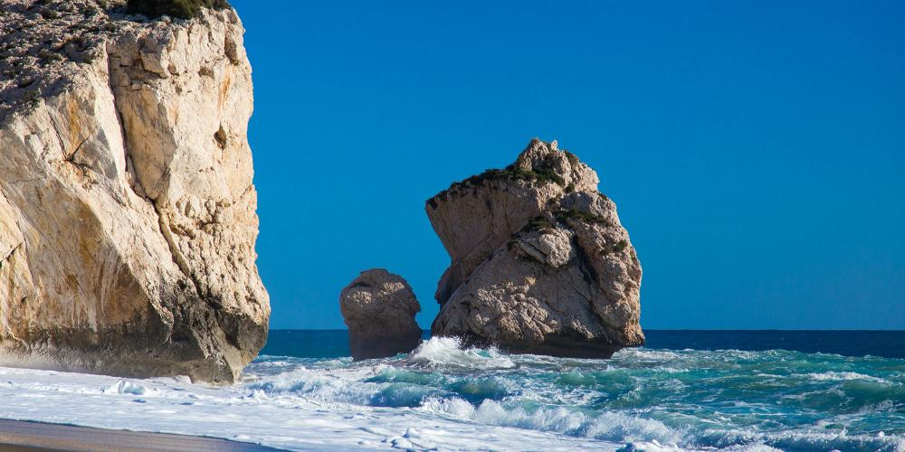 Aphrodite's Rock – © Evgenios Mouratidis / Shutterstock