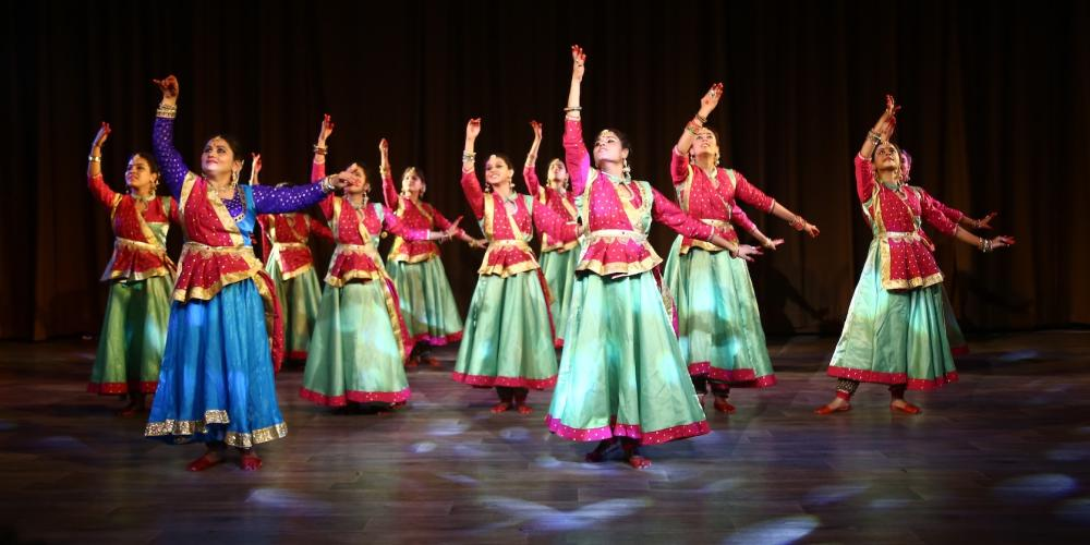 Kathak dancers performing a group dance. – © MP Tourism