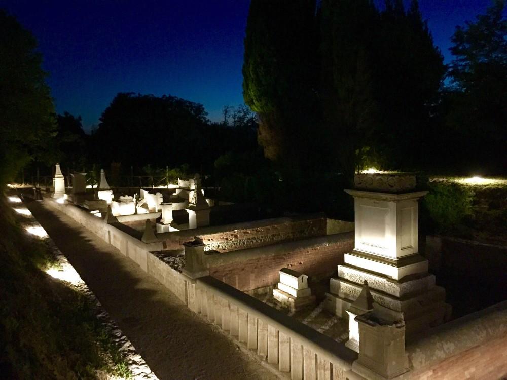 La nécropole comprend la seule partie visible de plusieurs cimetières datant d'entre le Ie et IIIe siècles après J.C. – © Gianluca Baronchelli