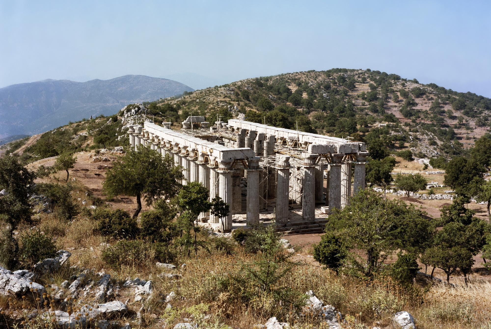 The Temple of Apollo Epikourios is the only temple of the Antiquity to combine three architectural orders: the Doric, Ionic, and Corinthian styles. – © Hellenic Ministry of Culture and Sports / Ephorate of Antiquities of Ilia