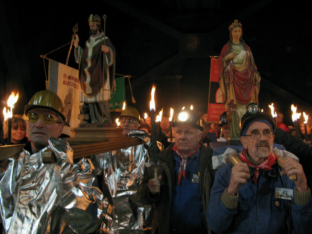 A respect is shown for traditions. Shown here is a celebration for Saint Barbara and Saint Eloi. – © Alain Forti