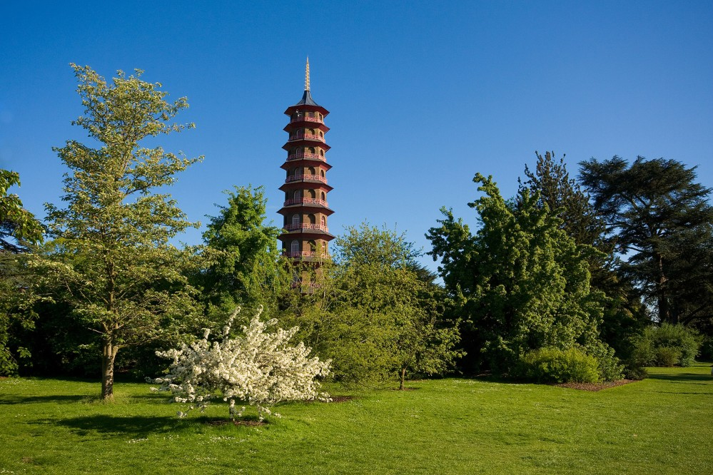 The Great Pagoda was the most accurate reconstruction of a Chinese building in Europe at the time. – © Radka Palenikova /Shutterstock