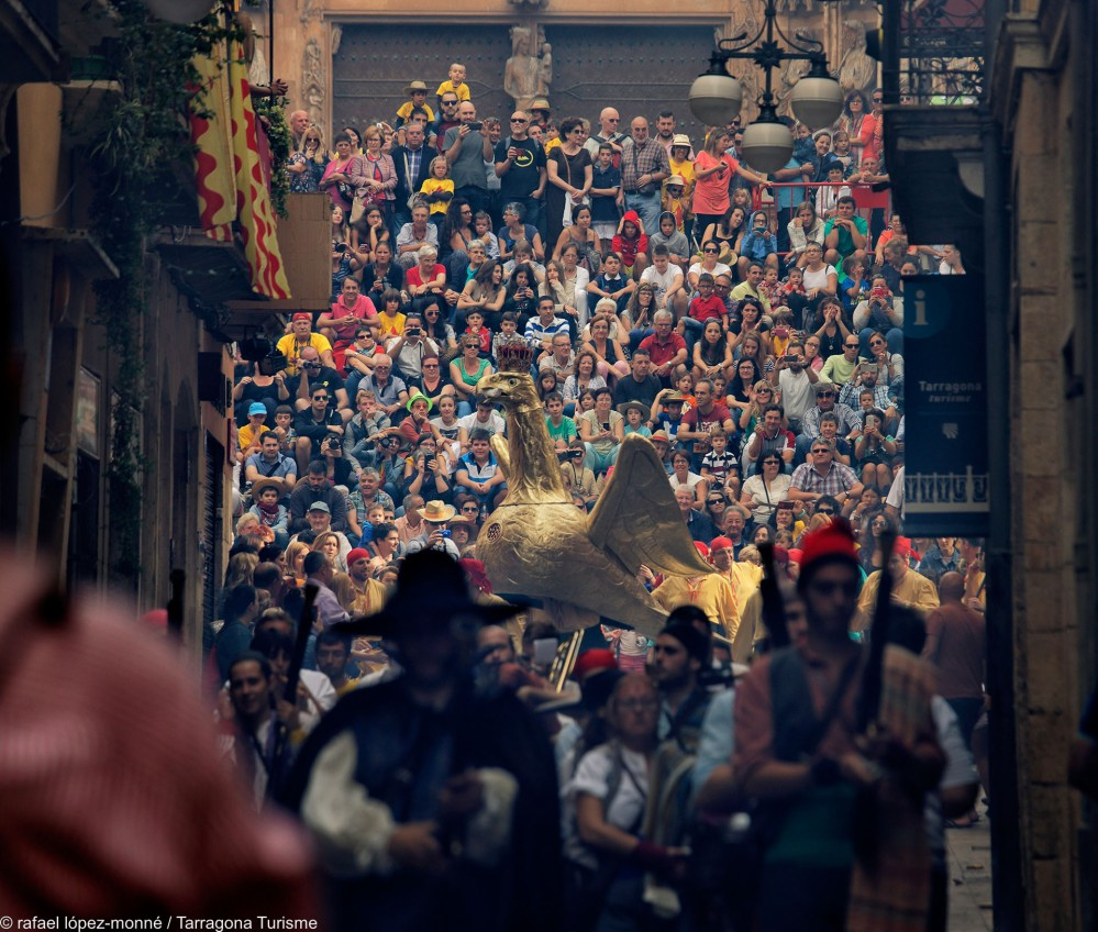 The annual city festival Santa Tecla blends tradition with dances, human towers, spark-throwing nighttime parades, mythological beasts, mediaeval treats, and 'spoken dances'. – © Rafael López-Monné