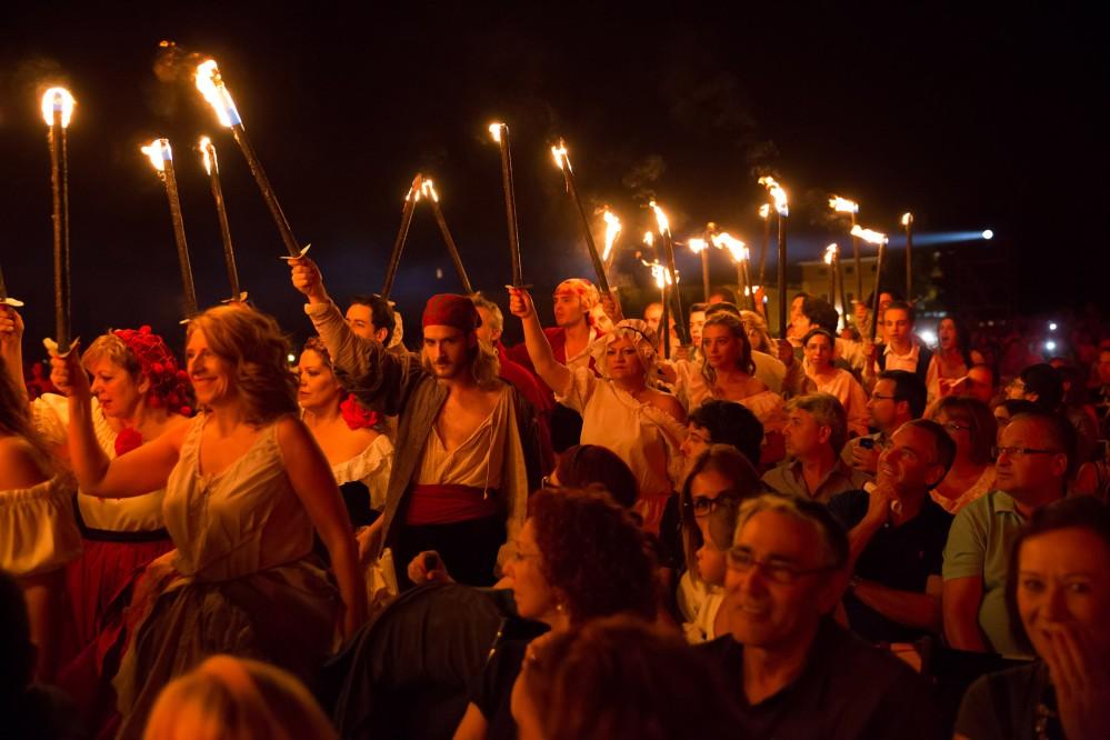 Chaque septembre, Aranjuez vit au rythme des célébrations des 'Fiestas del Motín de Aranjuez'  - le festival d'Aranjuez célébrant la révolte de 1808. C'est un des événements majeurs de l'année avec ses reconstitutions historiques, pièces de théatre, défilés et musique. – © Miguel Portillo / Municipality of Aranjuez