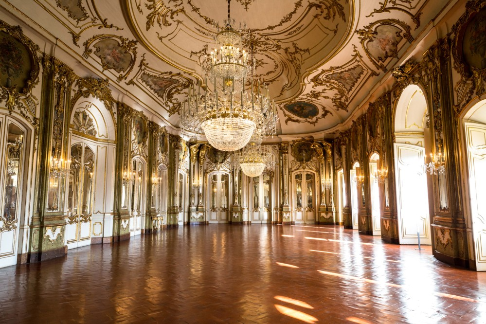 The Throne Room is the Palace of Queluz's stateliest room. Its construction began after king Pedro III's marriage to his niece, future Queen Maria I. – © PSML / Wilson Pereira