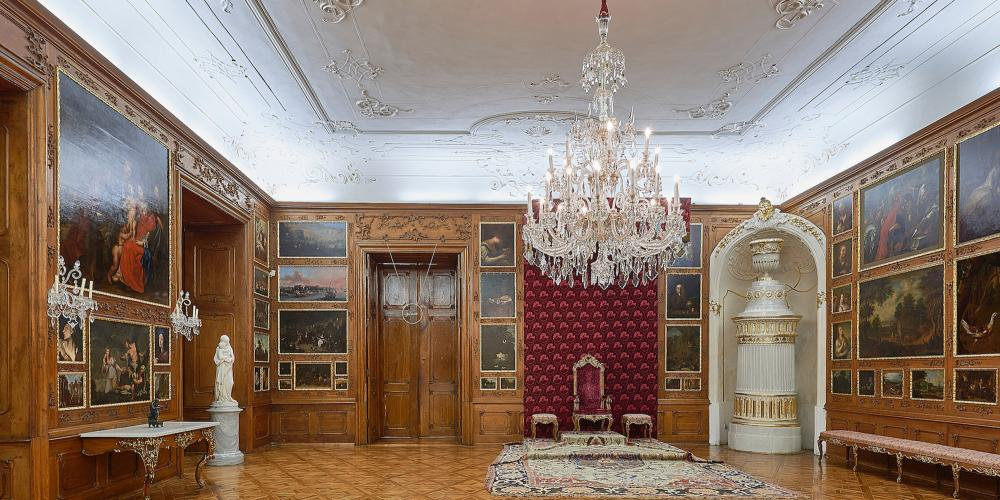 The Throne Hall with its ornamental stucco ceilings and panelled paintings on the walls served as audience room where the archbishops of Olomouc received their special guests. – © Tomas Vrtal