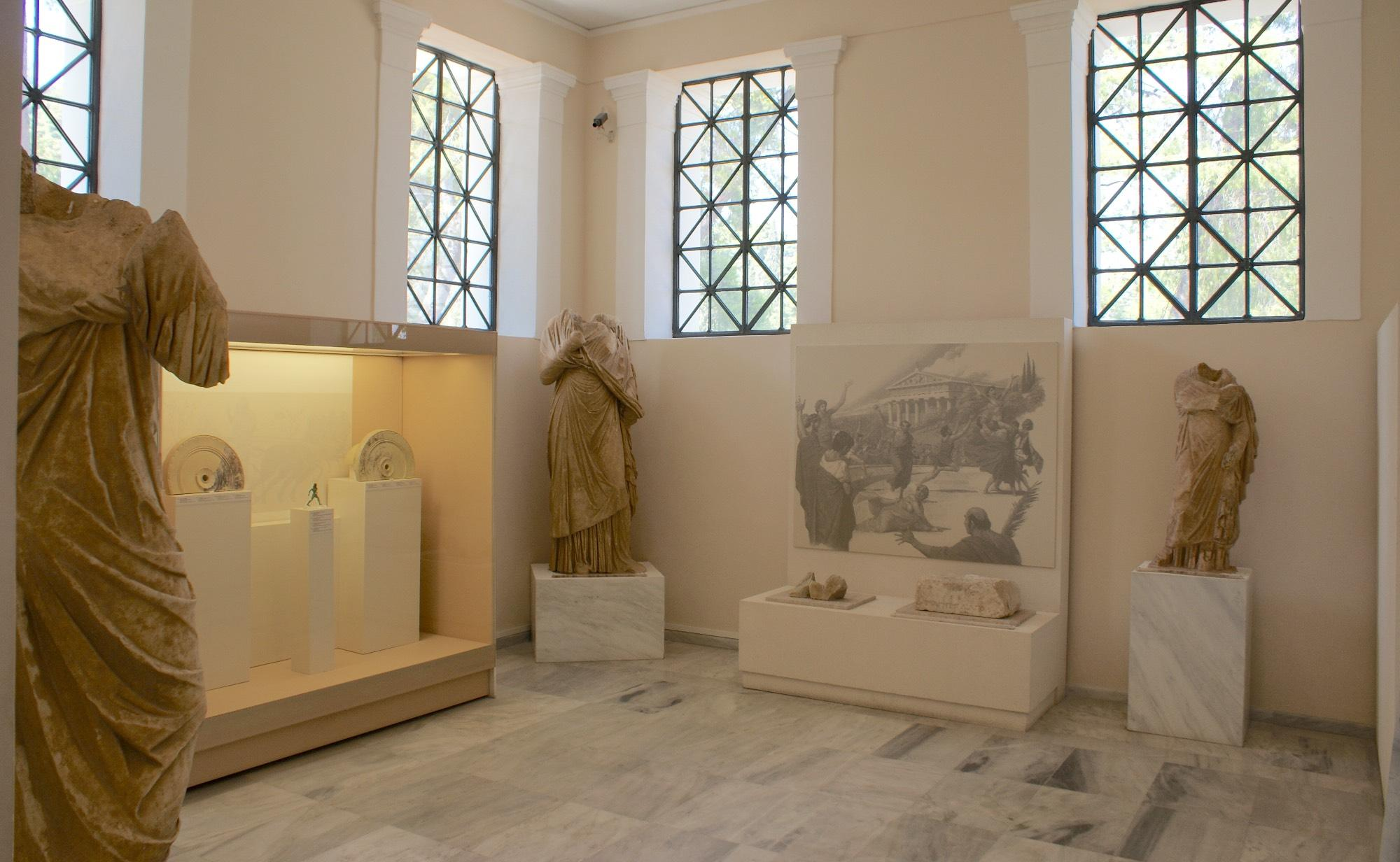 "The hall dedicated to ""Women and sports in Antiquity"" in the Museum of the History of the Olympic Games of Antiquity in Olympia. – © Hellenic Ministry of Culture and Sports / Ephorate of Antiquities of Ilia"