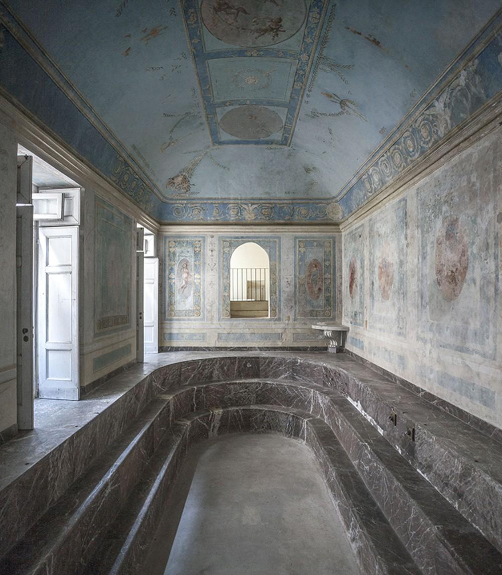 Maria Carolina Bathroom, Jacob Philipp Hackert fresco. – © Francesco Cimmino