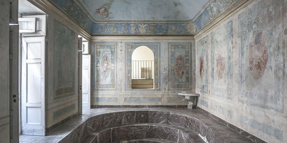 Maria Carolina Bathroom, Jacob Philipp Hackert fresco. – © Francesco Cimmino