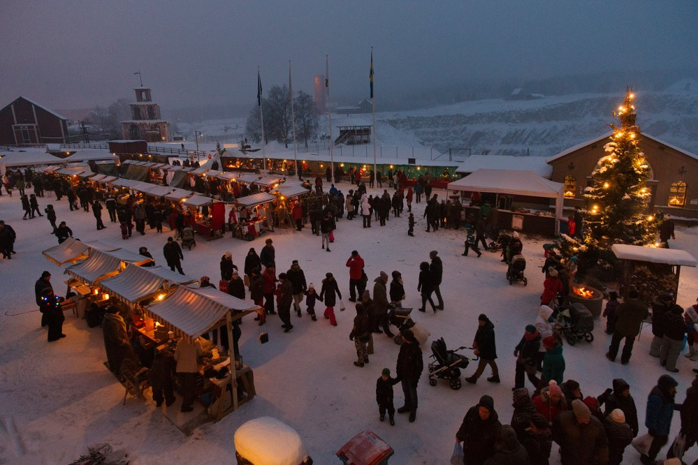 The event is popular with the whole family, as locals and tourists mingle together. – © Per Eriksson