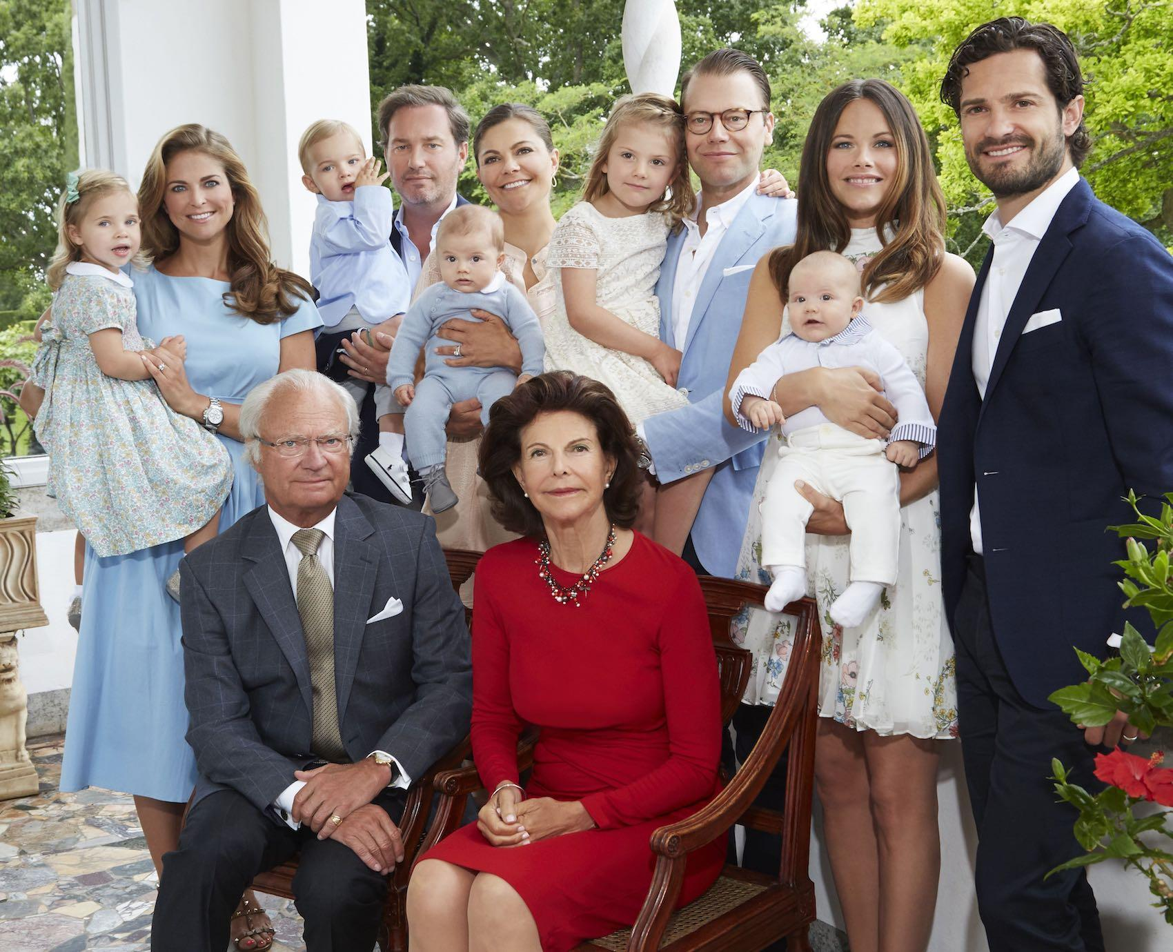 Royal family portrait from the summer palace Solliden, taken in the summer of 2016. Since then the family has grown even bigger.  – © Anna-Lena Ahlström / The Royal Court, Sweden