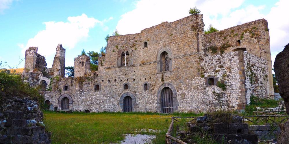 Ruins of the 11th-century Norman castle of Casertavecchia – © Vincenzo Ventriglia