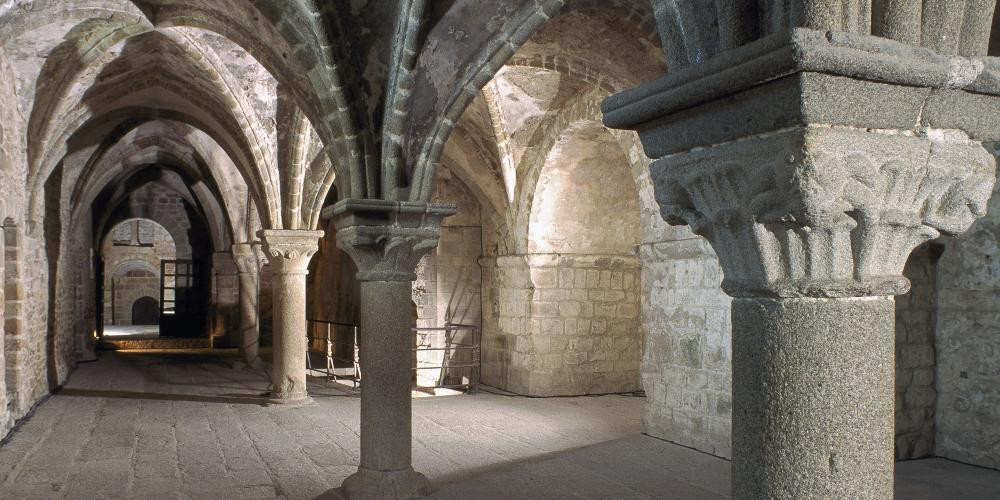 Mont-Saint-Michel Abbey: the Monks' covered walk. – © Étienne Revault / Centre des monuments nationaux