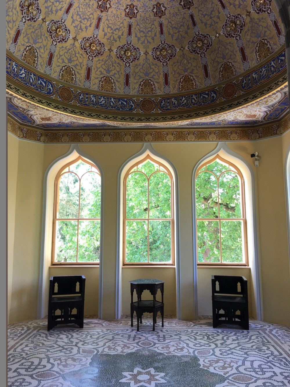 The lower part of the minaret has eight rooms, with richly decorated ceilings, walls and floors, and oriental ornaments. – © Archive of Lednice Castle