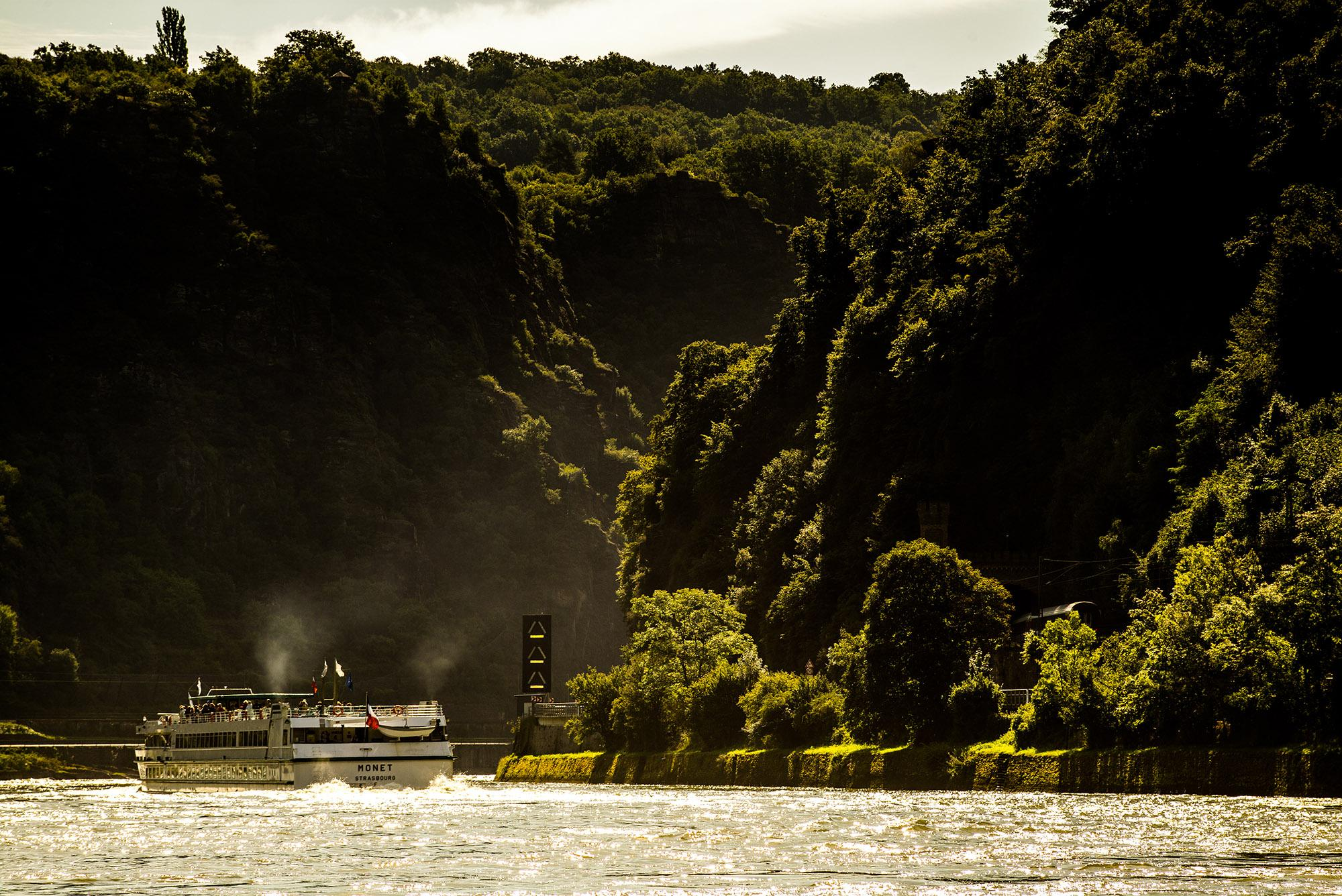 The Upper Middle Rhine Valley is unusually rich in evidence of its cultural heritage and as the scene of many historic events. – © Herbert Piel, Rhein-Touristik Tal der Loreley