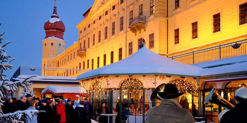 The Christmas market at Stift Göttweig is an atmospheric event in a unique location. – © Markus Digruber / Stift Göttweig