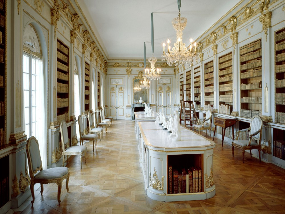 The Library of Queen Lovisa Ulrika at Drottningholm is often presented as the most beautiful room in Sweden. It was the famous painter and architect Jean Eric Rehn who created the drawings for the light, white room, which is finished with gilding. – © Alexis Daflos