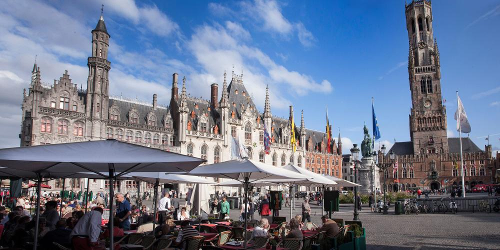 Bruges's Market Square is as historic as it is beautiful. – © Jan D'Hondt / VisitBruges