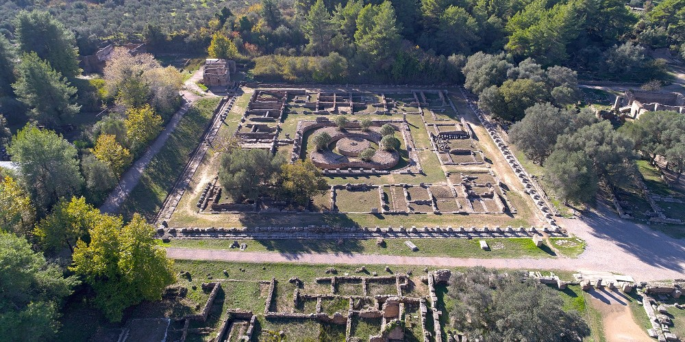 Les restes du Léonidaion, le lieu d'hébergement des invités prestigieux. – © Hellenic Ministry of Culture and Sports / Ephorate of Antiquities of Ilia