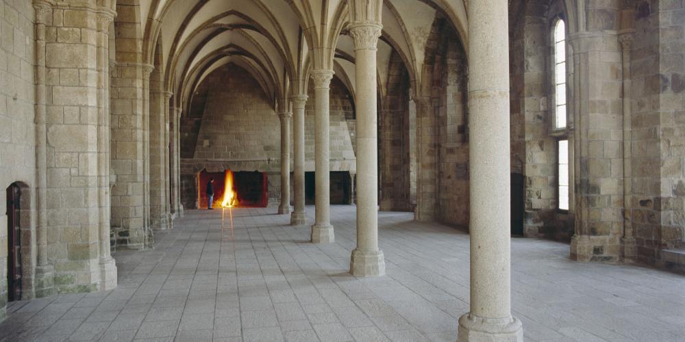 Abbey of Mont Saint Michel, guest room. – © Daniel Chenot / Centre des Monuments Nationaux