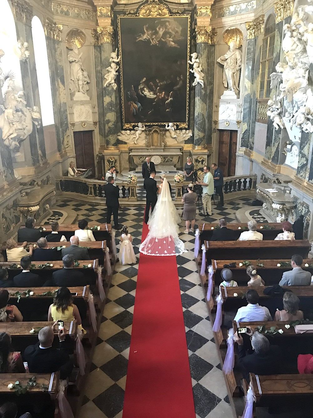 The original baroque chapel at Valtice Castle offers an amazing setting for the wedding ceremony, both civil and religious. – © Lenka Beránková