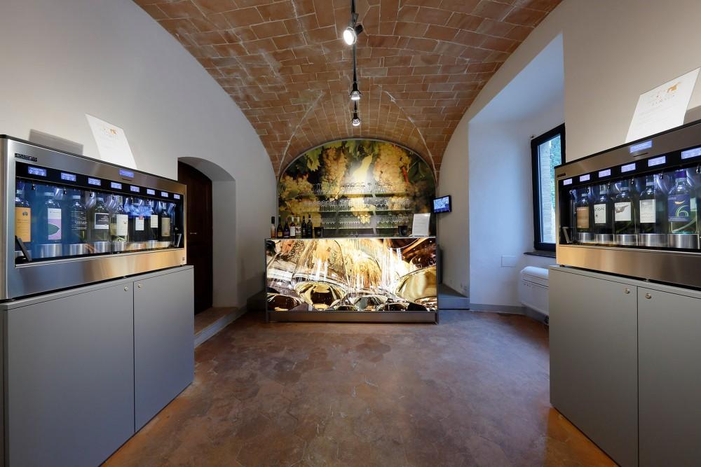 A view of the ground floor inside the La Rocca Wine Experience, where you can taste all the wines from San Gimignano. – © Consorzio della Denominazione San Gimignano