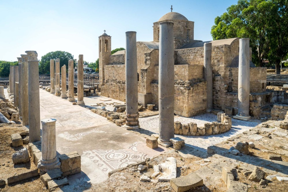 The columns from the original 4th century basilica. – © Michael Turtle
