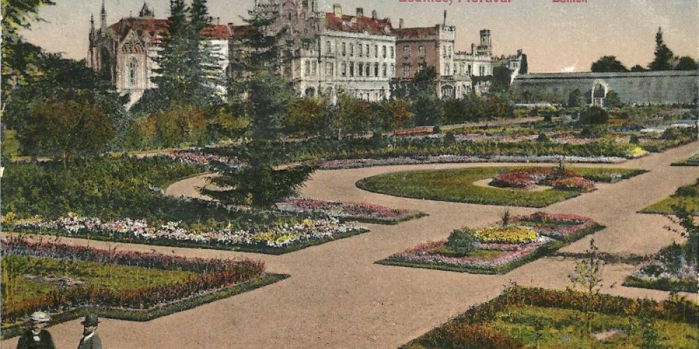 Lednice Castle and Castle Garden on picture about year 1920 – © Archive of Lednice Castle