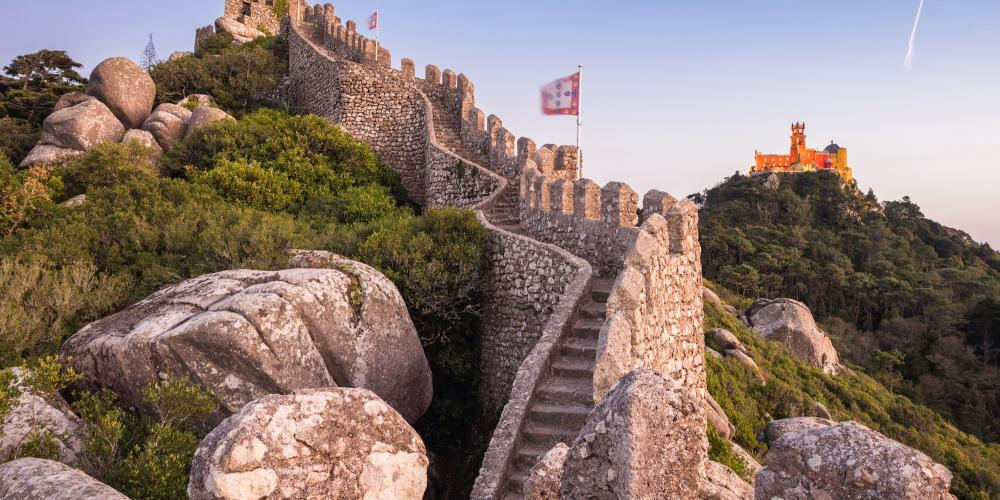 In the 19th century, the Moorish Castle was restored by King Ferdinand II as a medieval ruin—in keeping with the romantic taste of the period. – © rmnunes / Getty Images