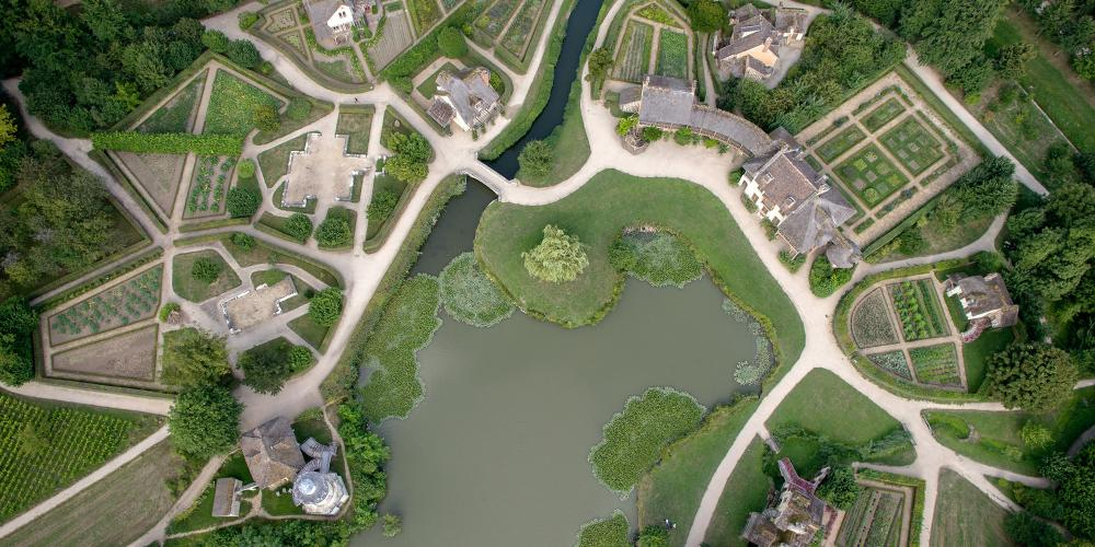 The Queen's hamlet at Versailles was designed as a safe haven for Marie-Antoinette and her children. – © Toucan Wings