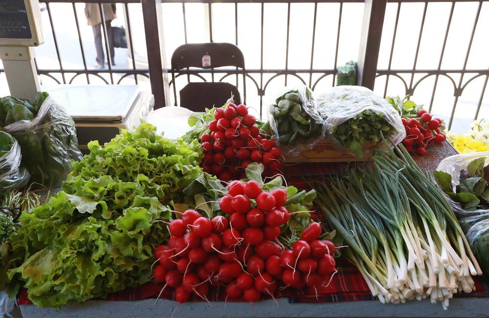 Natural colours at Halės market created by nature. – © www.vilnius-tourims.lt