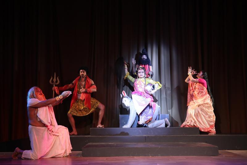 Bengali Jatra style dramatic performance of 'Shitalla Mangal' – © MP Tourism