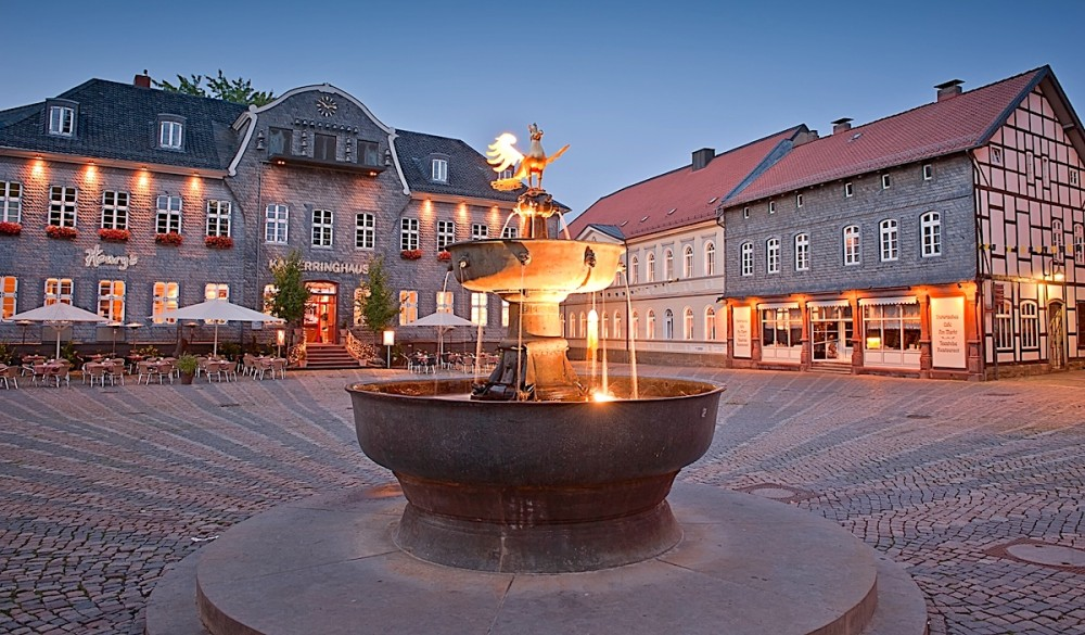 The unique form of the Market Fountain evolved over six centuries. – © Stefan Schiefer / GOSLAR marketing gmbh