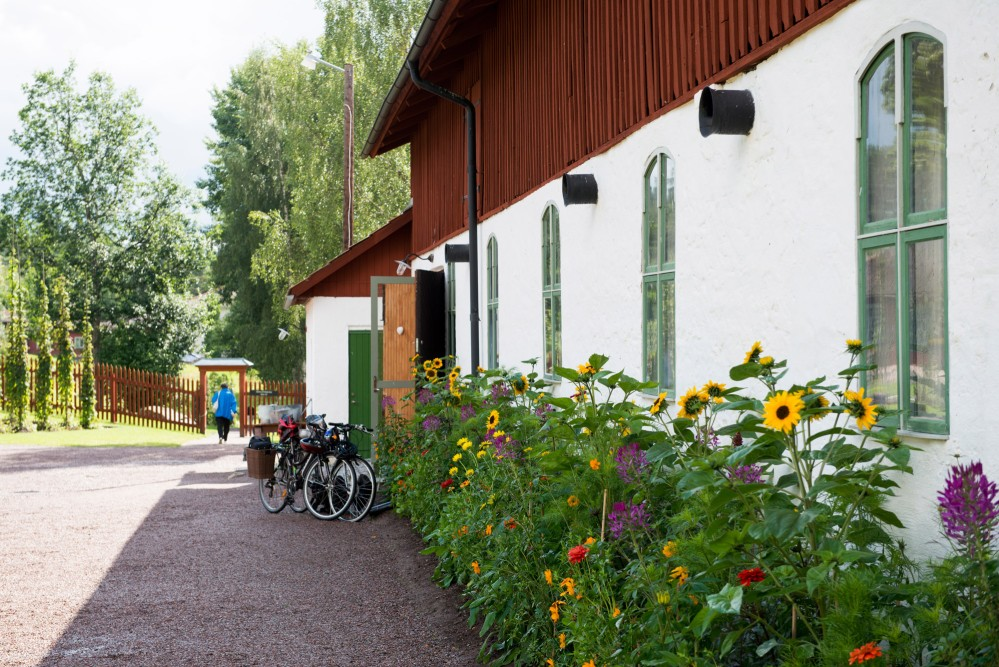 Staberg Master Miner Estate is located 12 km from the Falun Mine. It is easily accessed by bicycle and is a popular spot for cyclists. – © Jonas Lindgren