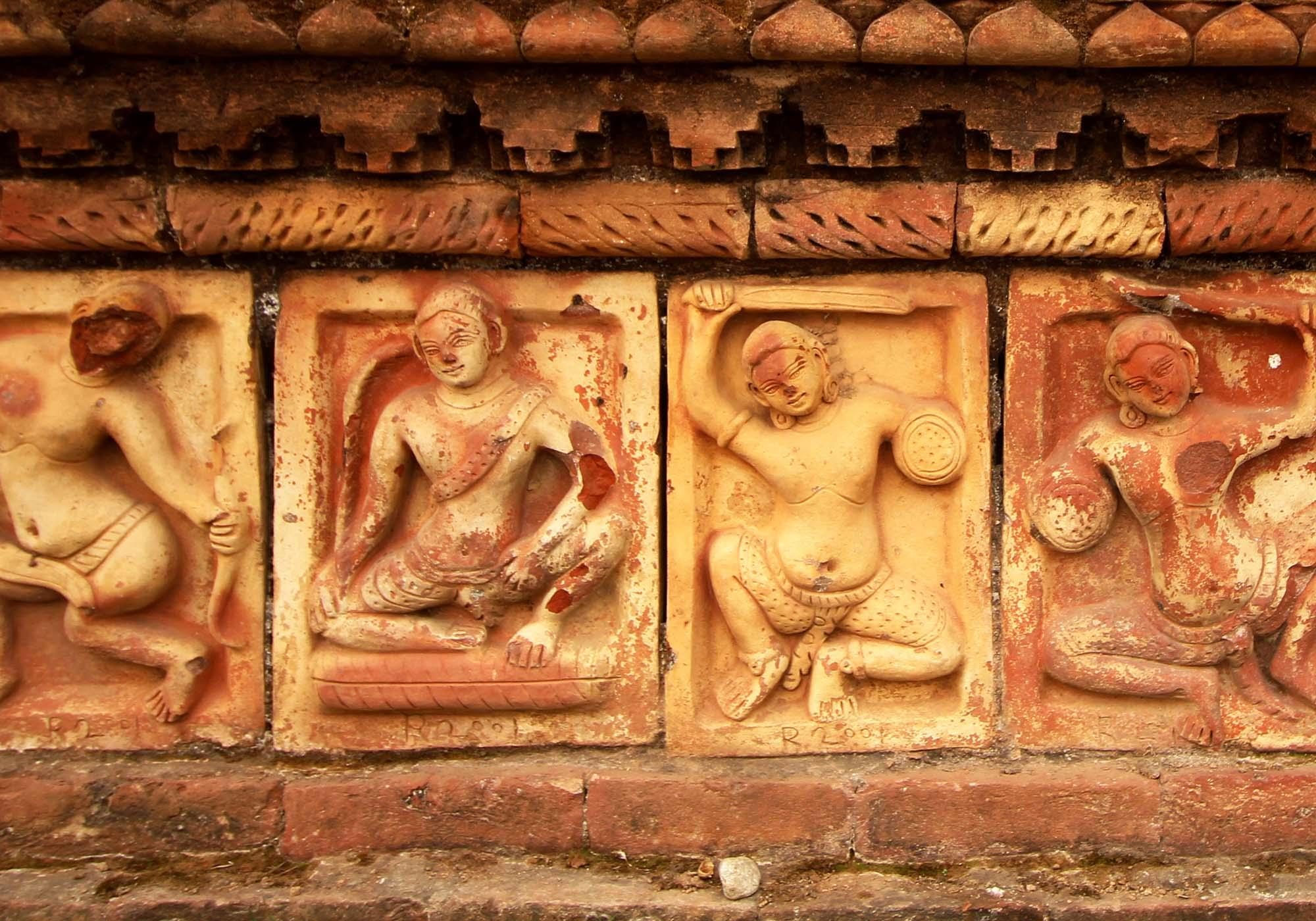 Close up view of terracotta plaques at Paharpur Buddhist Monastery (Somapura Mahavihara) – © Roni Kabir Nurul