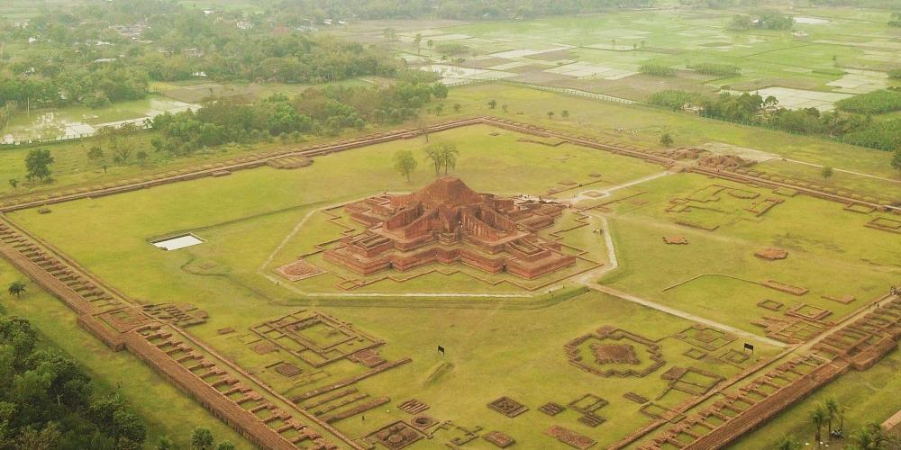 Aerial view of Paharpur Buddhist Monastery (Somapura Mahavihara) – © Peter Prix