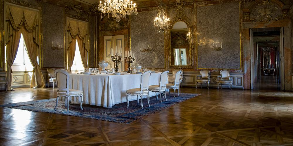 The dining room ranks amongst the largest and most exquisite rooms in the guided tour at Valtice Castle. – © Roman Pěnčák