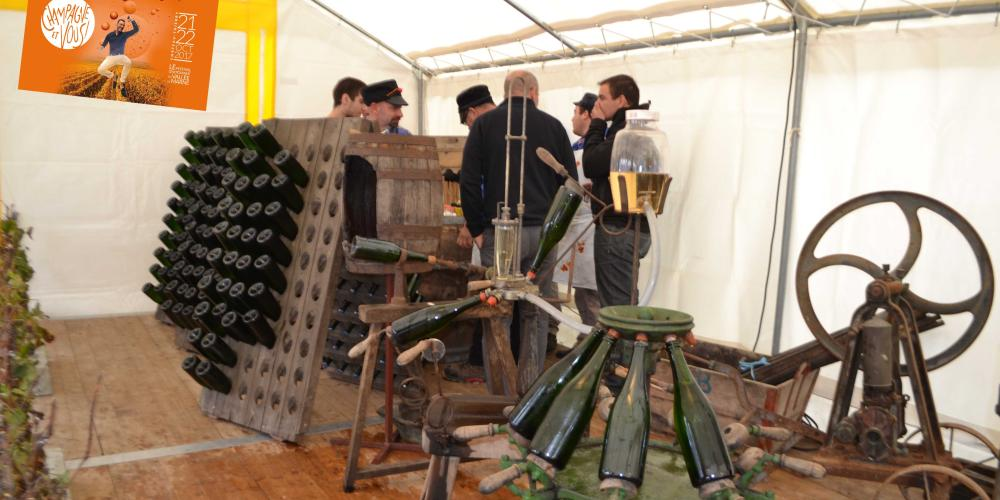 Exhibition of traditional machines during the event Champagne et Vous in Château-Thierry. – © BC-MDT