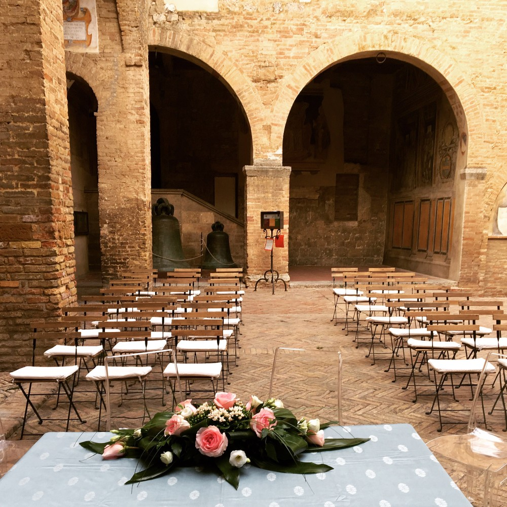 If you are thinking of a mediaeval-themed wedding, consider San Gimignano. – © Carolina Taddei