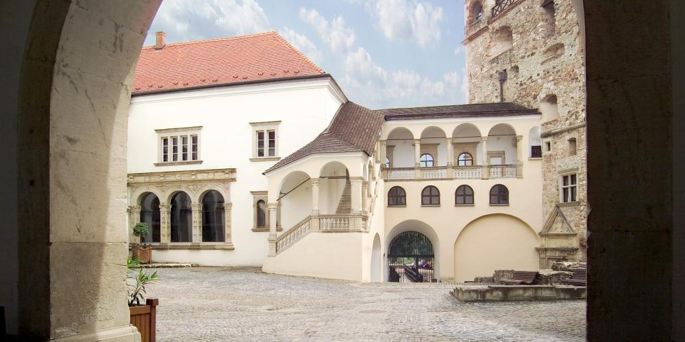 The hall and its surrounding, where landlords were living in the XVIIIth century. Nowadays it is the place of contemporary exhibitions. – © Laszlo Varadi