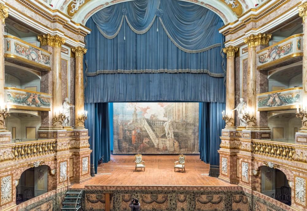 Le théâtre de la Cour –vu ici depuis la loge royale– fait partie des attractions les plus populaires du palais. – © Reggia Archive